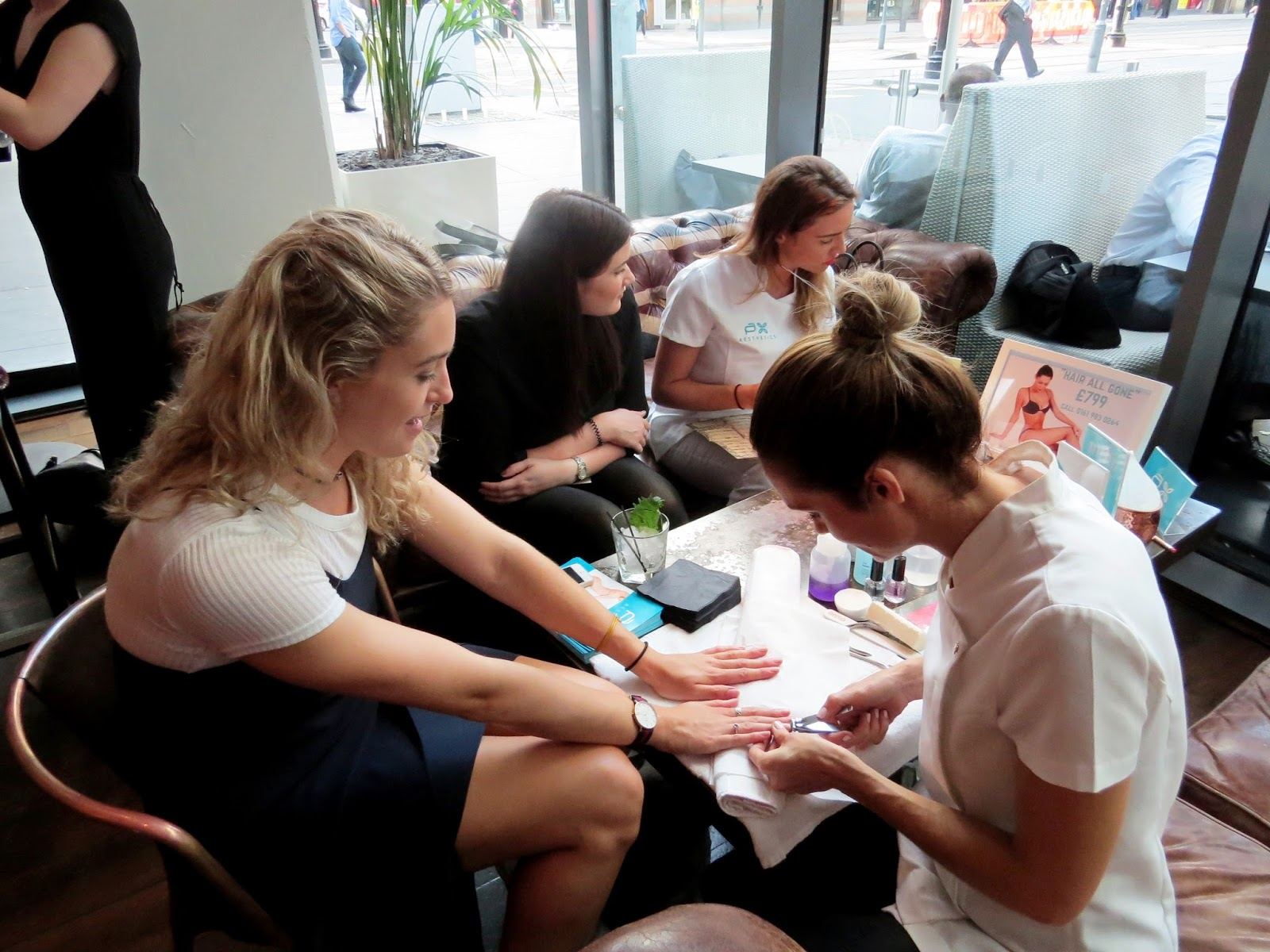 hairdresser offers Pierre Alexandre Aesthetics